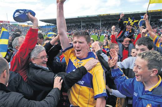 37 year-old Niall Gilligan inspires Sixmilebridge to Clare hurling title <I>TheScore.ie</I>